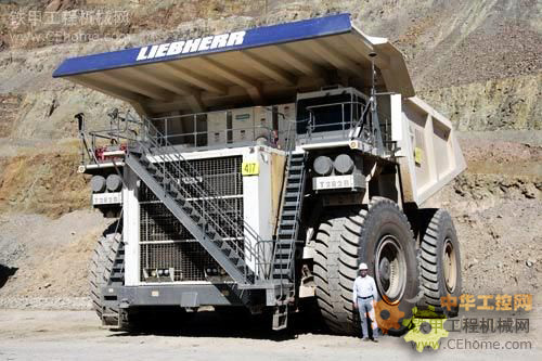 利勃海尔t282b_利勃海尔t282b矿用自卸车是目前世界上在产的最大柴油矿用卡车